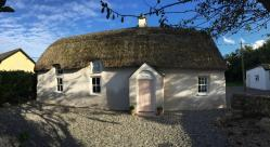 Holiday in an original irish cottage